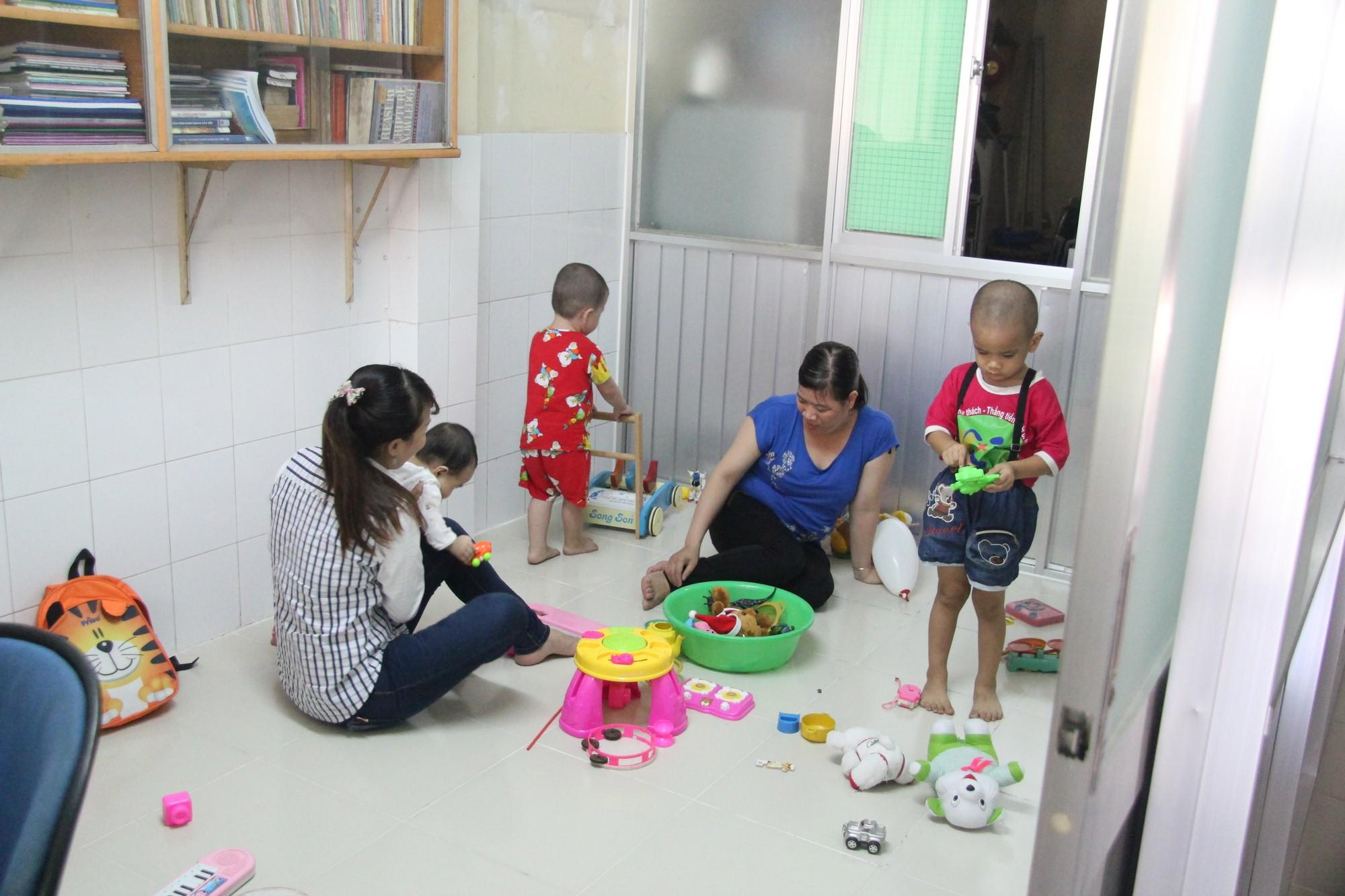 Phòng giữ trẻ - Ấu nhi (tầng trệt)