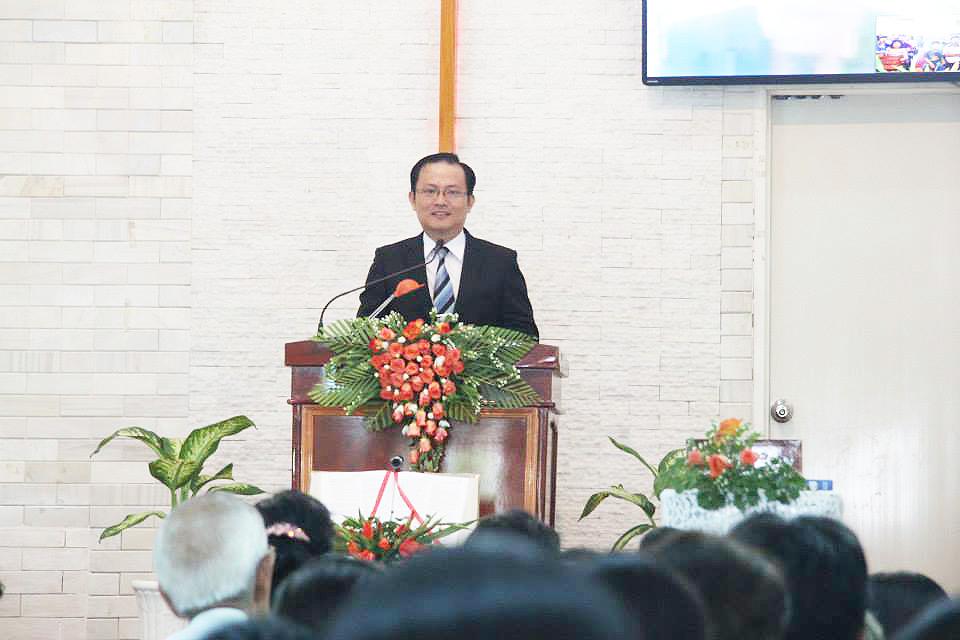 Truyền đạo Trần Huỳnh Quốc Việt - Trở lại cùng Đức Chúa Trời
