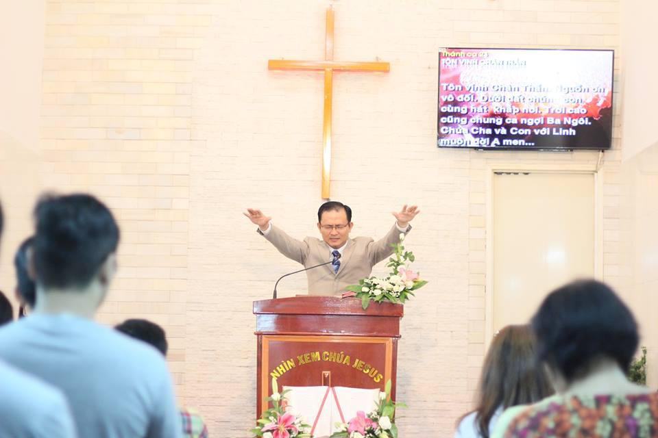 Lễ 2 MSNC QN Trần Huỳnh Quốc Việt chúc phước