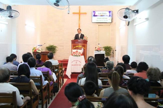 MSNC Trần Huỳnh Quốc Việt chia sẻ lời Chúa tại HT Bình Thới