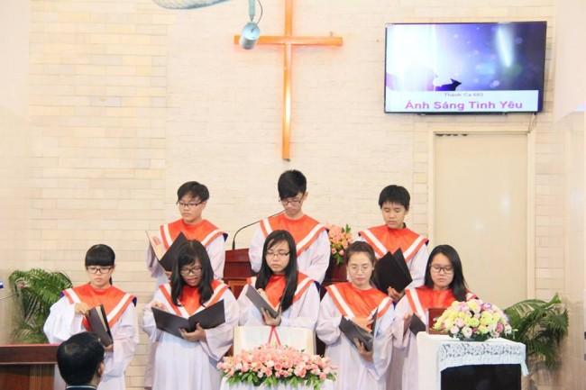 Ban Thiếu niên Bình Thới tôn vinh Chúa