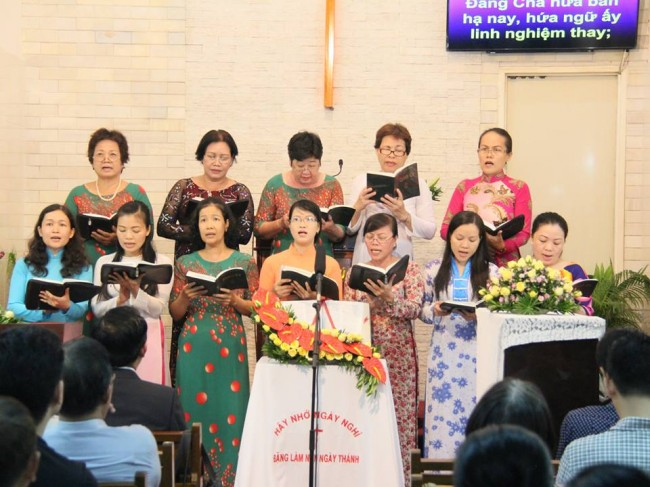 Ban hát Phụ Nữ Tôn vinh Chúa